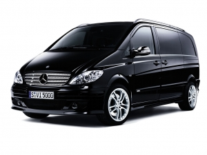 Discover Santorini with the comfortable Mercedes Viano Luxury for 7 person, AUTOMATIC