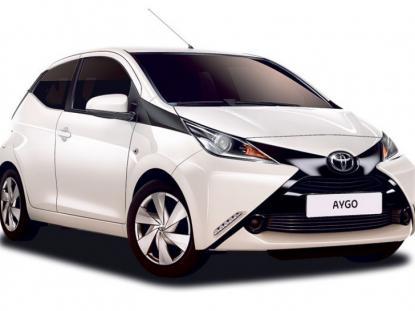 Toyota Aygo Manual or similar